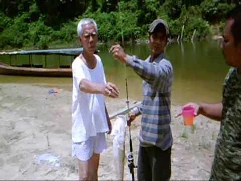 Pancing - Malaysia freshwater fishing.  Fishing at Lubuk Kudung