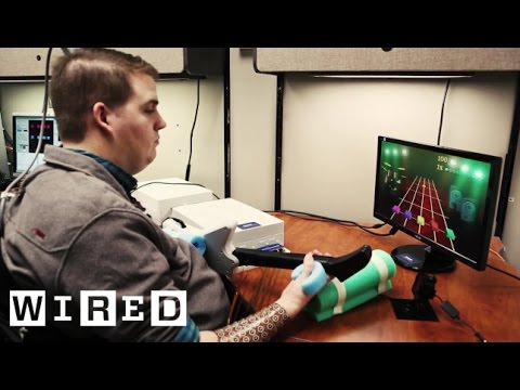 A Brain Implant Brings a Quadriplegic's Arm Back to Life