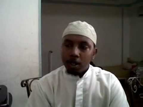 Somali Man Reading Quran - somali video