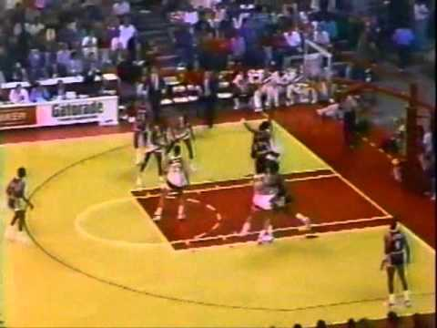 Magic Johnson (29pts/11rebs/19asts) & James Worthy (38pts) vs. Hawks (1988)