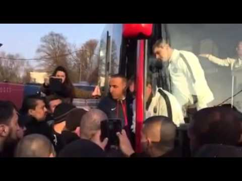 La discussion complète entre les Ultras Parisiens et Laurent Blanc au Camp des Loges.