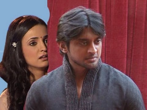 Khushi SPIES on Shyam in Iss Pyaar Ko Kya Naam Doon 30th May 2012
