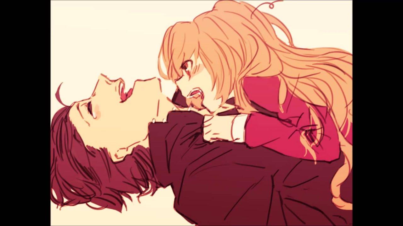 Рыжая и черноволосая девушки целуются 13 фотография