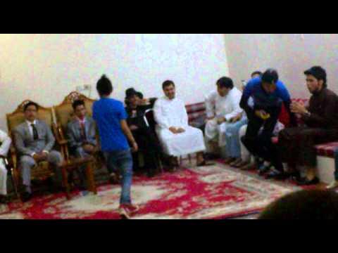 رقص ولد أفغاني thumbnail