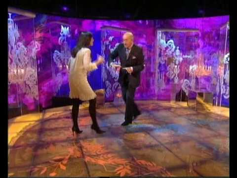 claudia winkleman in black opaque tights3