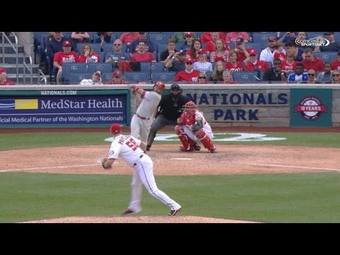 Blanco belts go-ahead homer in the 9th