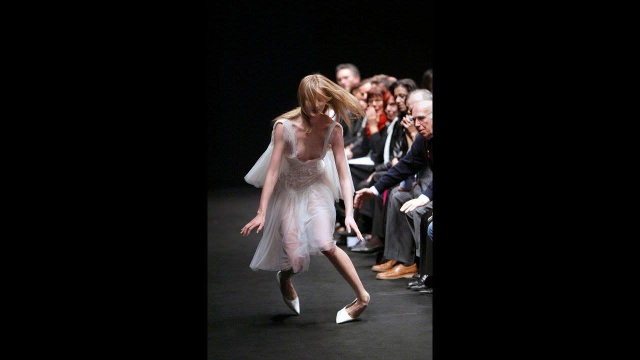 Dress falls off fashion show