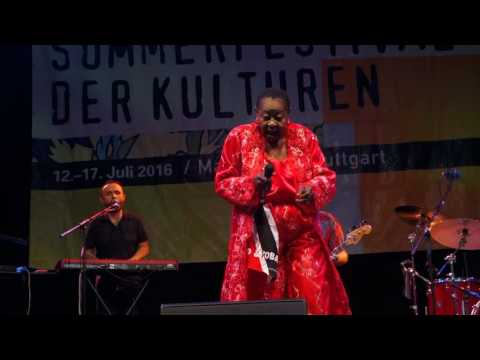 Calypso Rose feat. Members of Radio Bemba live in Stuttgart