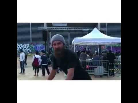 Dancing with @waywardnephew 🎥: @twinkstpk | Shralpin Skateboarding