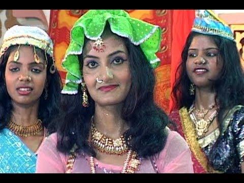 Ladke Hain Mohalle Ke (आशिकाना मुकाबला क़व्वाली) video