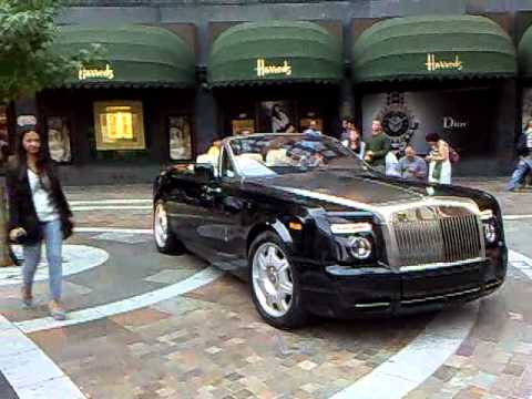 Rolls Royce Phantom Drophead Coupe Pulls Up Outside Harrods in London