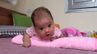 Em bé 2 tháng tập lẫy áp dụng phương pháp giáo dục trẻ thông minh sớm
