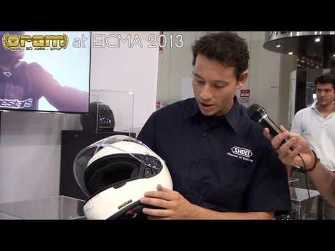 Ecco in anteprima il nuovissimo Shoei NXR presentato dall'ex pilota MotoGp e SBK Fabrizio Live a questo EICMA 2013!