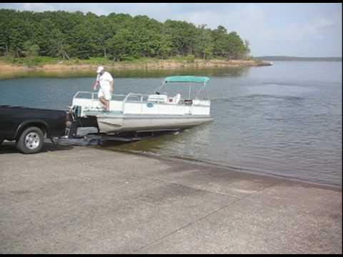 How to Load a Pontoon Boat onto a Trailer in less than 2 Minutes.