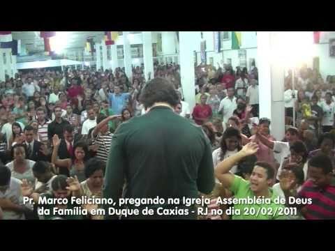 Pr. Marco Feliciano pregando na Igreja Assembléia de Deus da Família em Duque de Caxias – RJ