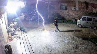 50 Incredible Lightning Strikes Caught on Camera