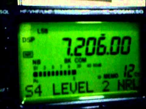 WB2LOO on air adjustment of Yeasu MD1 Desk Microphone on 40M