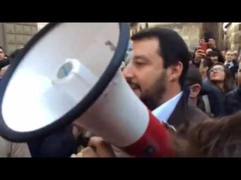 Salvini - Renzi venga a Siena si scusi con i lavoratori Mps