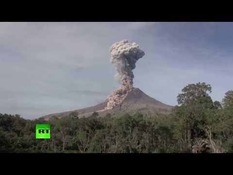 На Суматре произошло извержение вулкана Синабунг