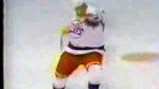 Teemu Selanne Gets Rookie Goal Record In Winnipeg