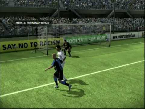 My first successful rabona followed by a bicycle kick. This was a proud moment lol because i have heaps of footage of a rabona and a wide bicycle kick. I hop...