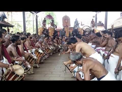 Thirumandhamkunnu Pooram 2017 LIVE Peruvanam Kuttan Marar