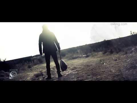 Yaser Mahmoudi Ft  Siavash Yousefi  -  Chi Avaz Shode video