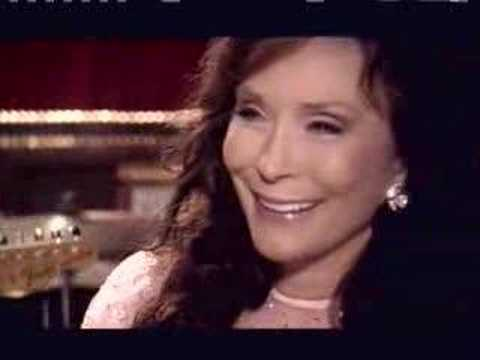 Loretta Lynn - Only Way Around It Is Right Thru The Mid