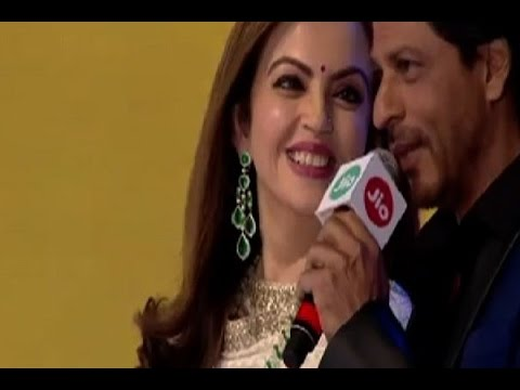 Shah Rukh Khan Reads Poetry From Jab Tak Hai Jaan On Launch Of Reliance's Jio 4G Services