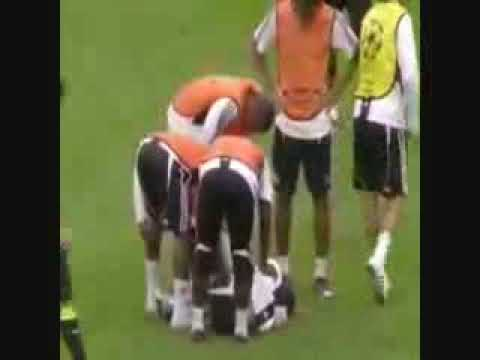Ashley Cole injured in training
