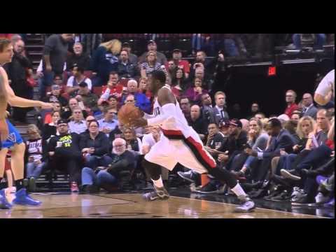 Wesley Matthews apparent left leg injury: Mavericks at Blazers