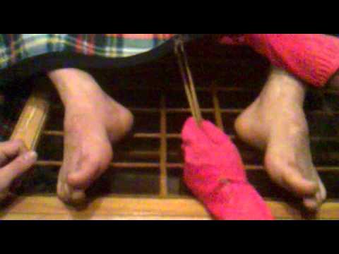 خارج کردن لامپ از واژن یک زن ایرانی thumbnail