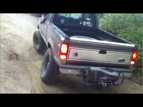 Toyota Tacoma 4x4 Vs Ford Ranger 4x4 Hillclimb