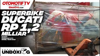 Unboxing Ducati Panigale V4 S 2019 l First Impression Review l GridOto