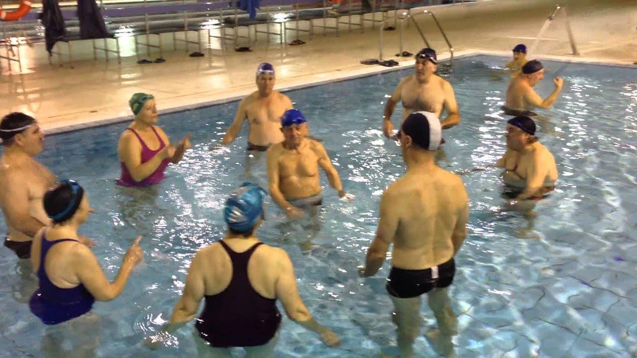 Cumplea os feliz a paulino romero 86 a os en piscina jose for Piscina jose garces