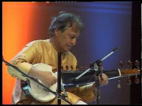 Masters together: Amjad Ali Khan and Zakir Hussain Part 4