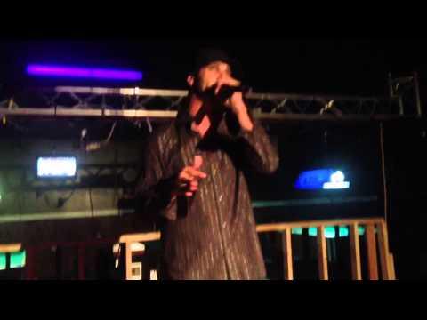 Kelly Divine (live Clip) video