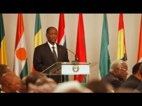 ECOWAS warns Mali junta to stand down