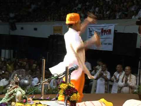 Radhe Radhe wonderful dance by Swami Radhakrishnaji Maharaj
