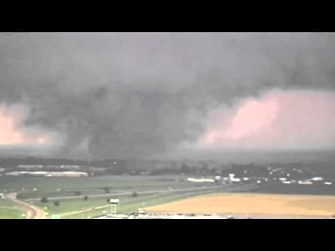 Raw: Tornado on the Ground in Oklahoma