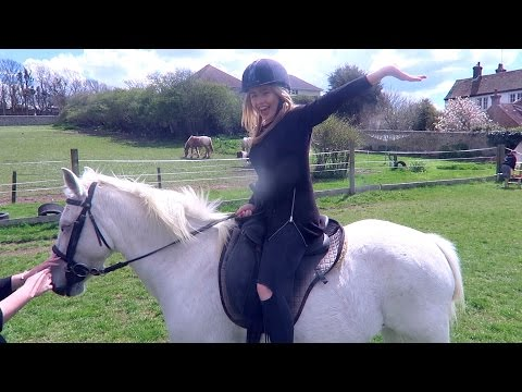MY PHONE WAS STOLEN + HORSE RIDING WITH JAKE!
