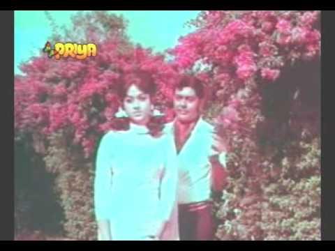Kishore Kumar & Asha -Sanjh savere nain tere-Duniya kya Jane...