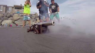 Fidget Spinners vs Super Wubble Bubble & Mini Cannon!! Carl and Jinger