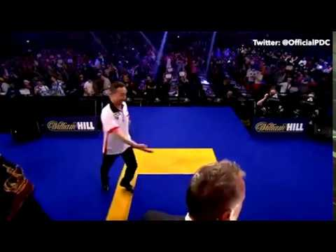 Qiang Sun trips and falls over the Oche - 2017 PDC World Championship