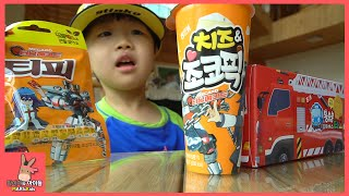 The little bus Tayo bus cookies mukbang for kids | MariAndKids