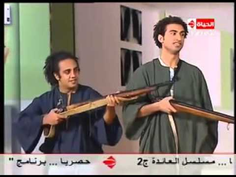 تياترو مصر أضحك مع تلقائية أبطال تياترو مصر التي أجبرت أشرف عبدالباقي على الخروج عن النص