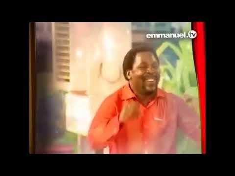 ТБ Джошуа танцует!  :)