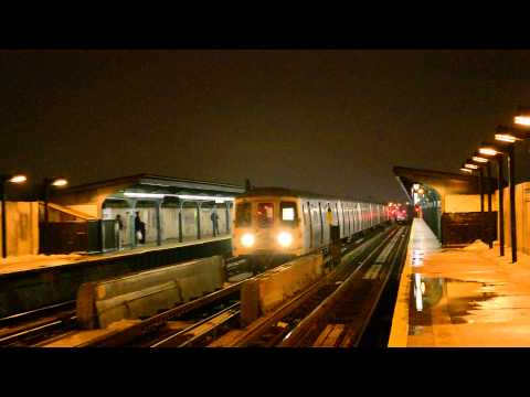 Not In Service Train Of R46s Bypassing 80th Street - Hudson Street