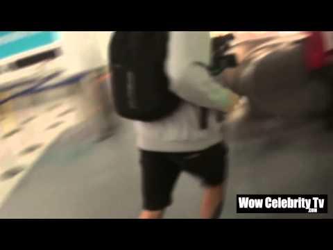 Frances Bean Cobain arrives to LAX Airport