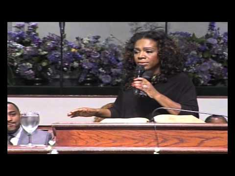 Sheryl Lee Ralph visits The Temple of Praise